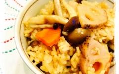 レンコンとキノコの炊き込みご飯