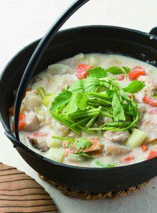 野菜たっぷり酒粕鍋
