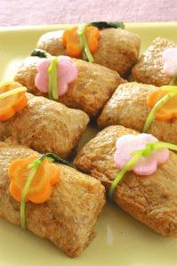 花飾り稲荷寿司