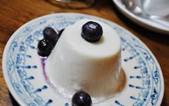 ココナッツクリームと豆乳のブラマンジェ